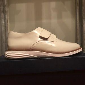 Cole Hann cream/white Velcro sneakers